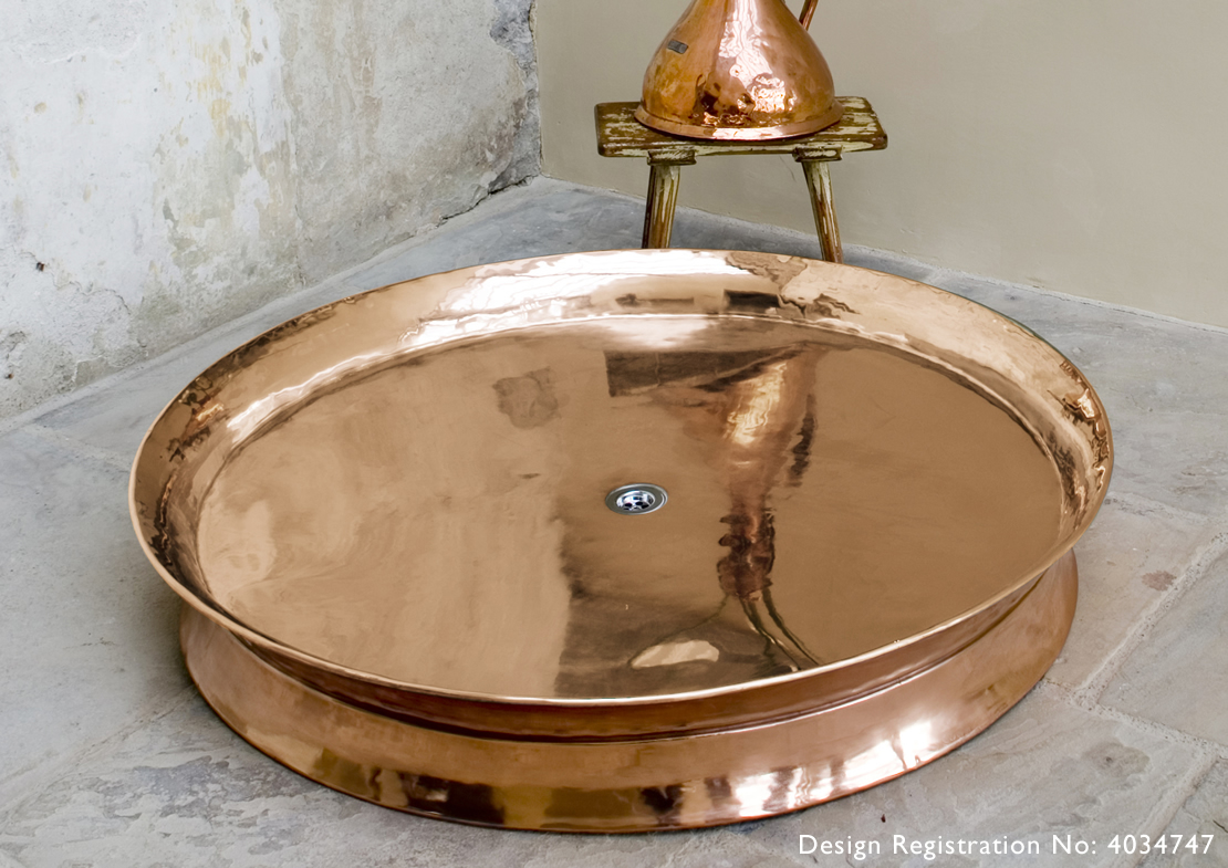 rotunda shower tray small copper Thumb